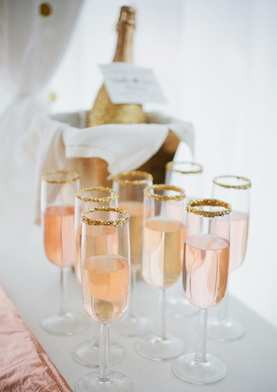 rose-and-gold-wedding-ideas-2