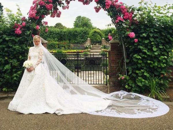 nicky-hilton-looks-like-a-princess-in-personal-wedding-photos